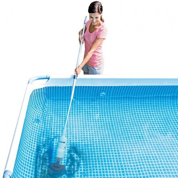 Limpiafondos manual a bater a intex piscina y spa 28620 for Limpiafondos piscina desmontable